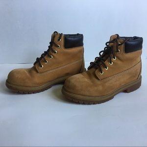 Timberland boots Kids size 2M